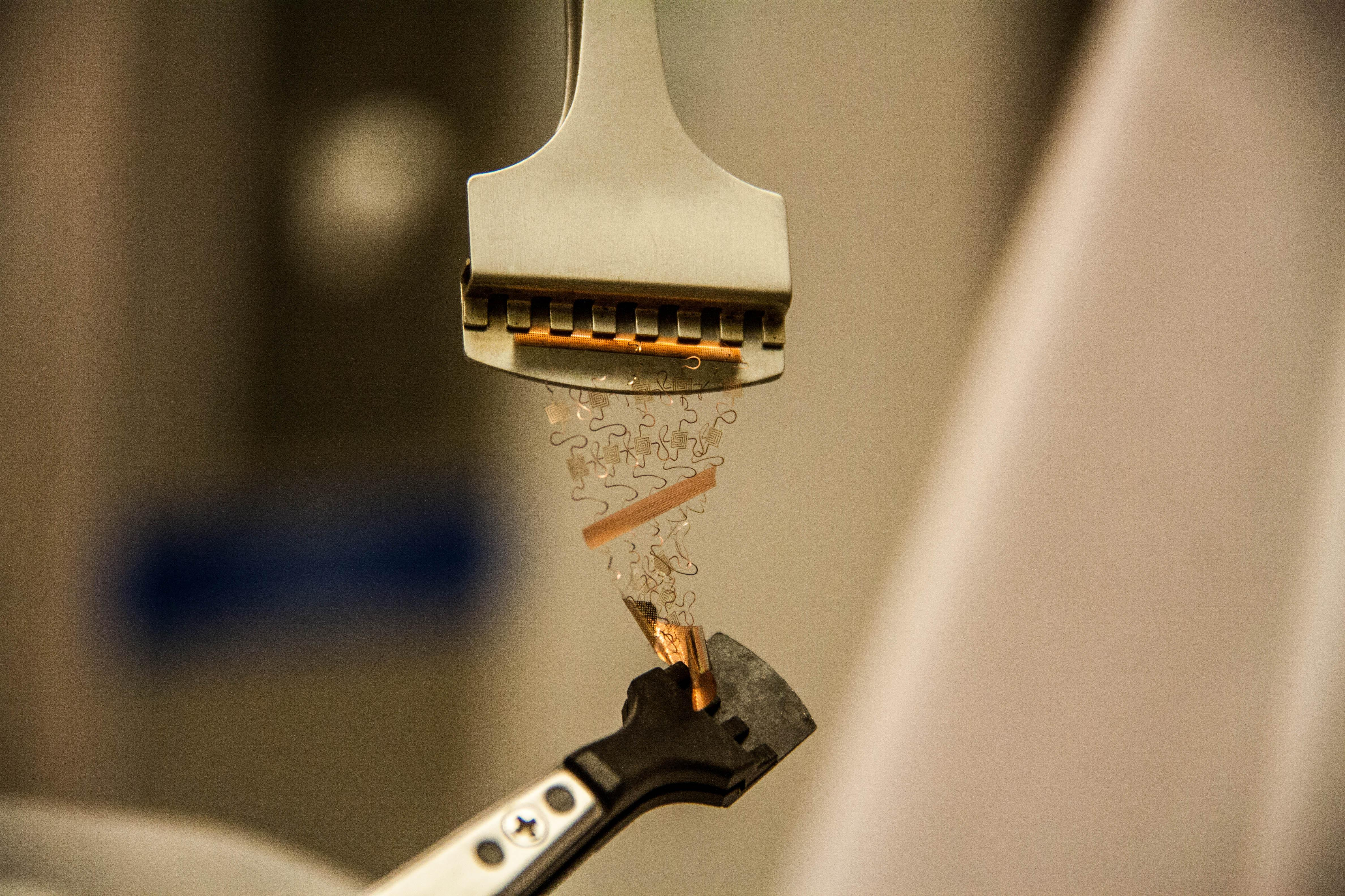 KAUST CEMSE EE MMH LABS FABLAB Stretchable electronic