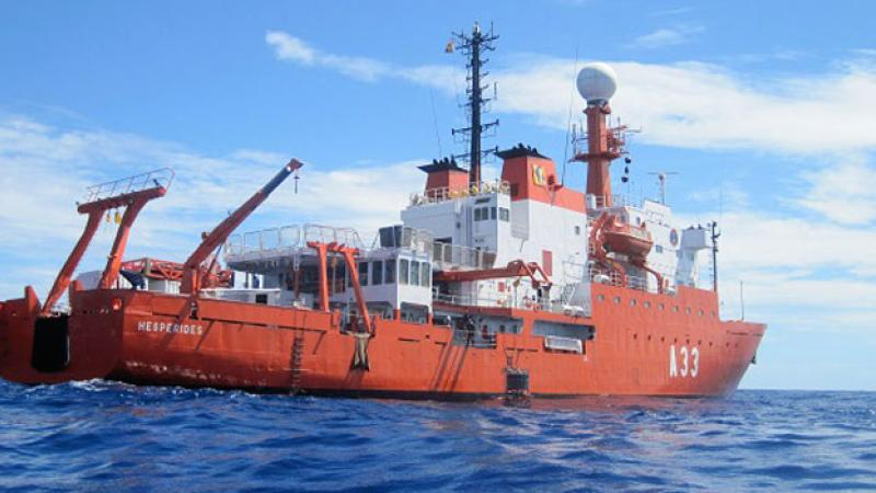 CEMSE CBRC Ocean Atmosphere Rife With Microbes