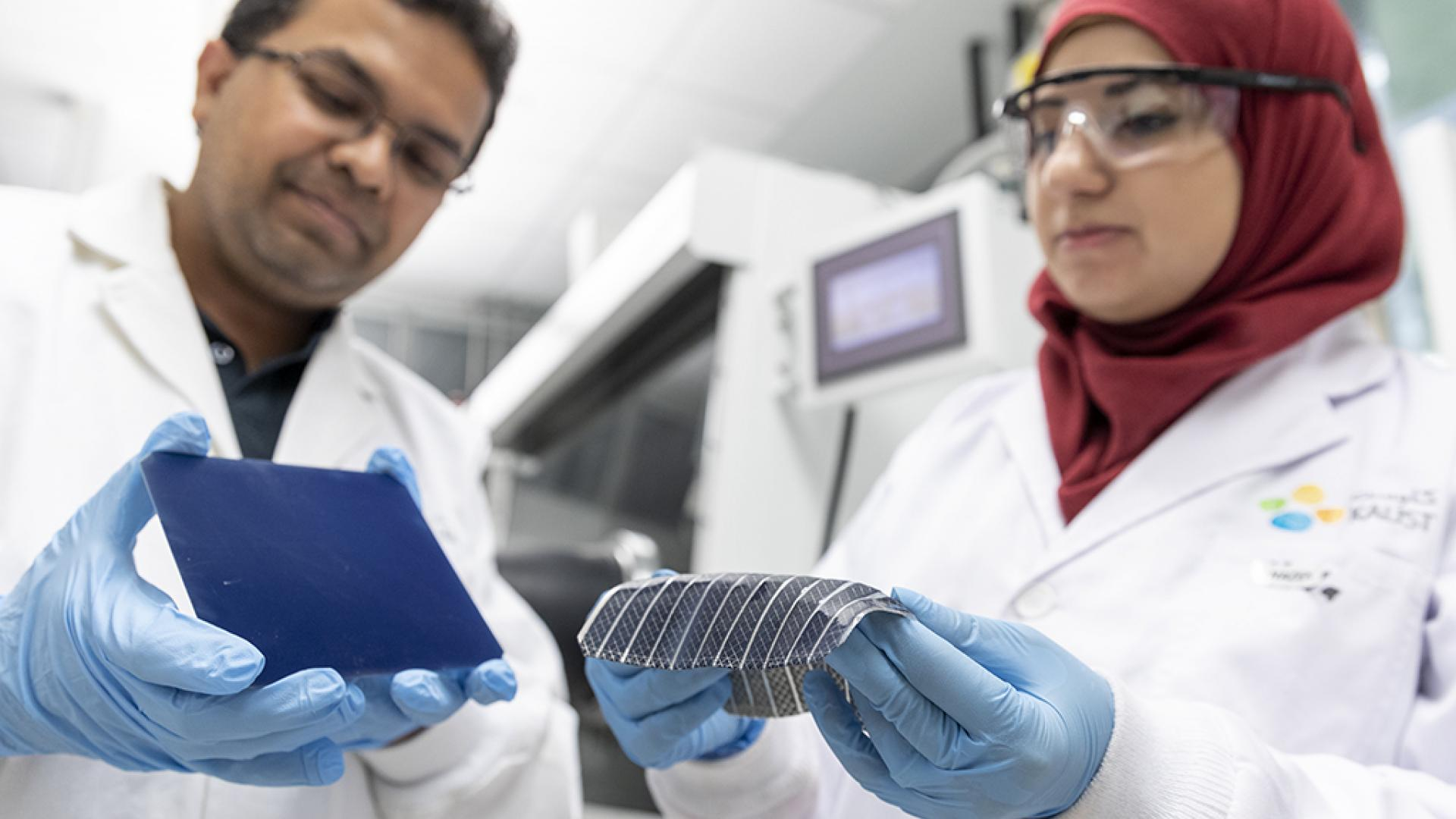 KAUST CEMSE EE FABLAB MMH LAB Muhammad Mustafa Hussain Nazek El Atab Compare The Flexibility Of Their Solar Cell